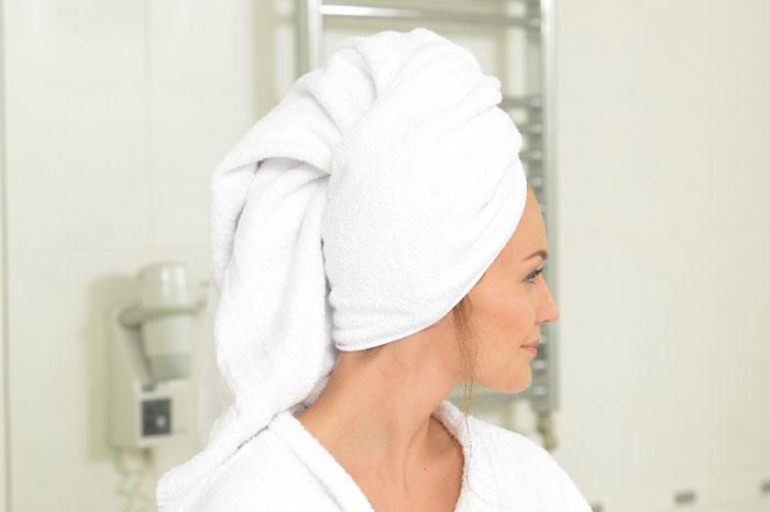 なぜ脂ぎった頭皮に「ホホバオイル」クレンジングが効果的なのか?