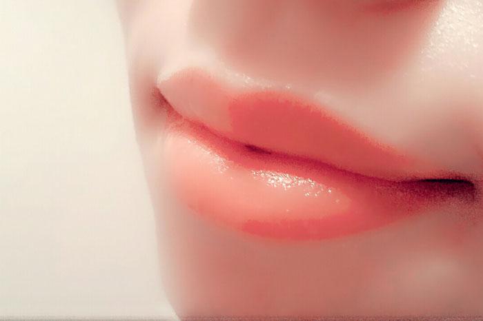 唇の乾燥にホホバオイルはおすすめなのか?1週間しっかり試してみた!