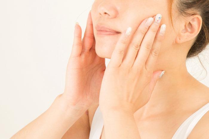 ホホバオイルで美白になる!美容オイルとして最適な天然オイルの力とは?