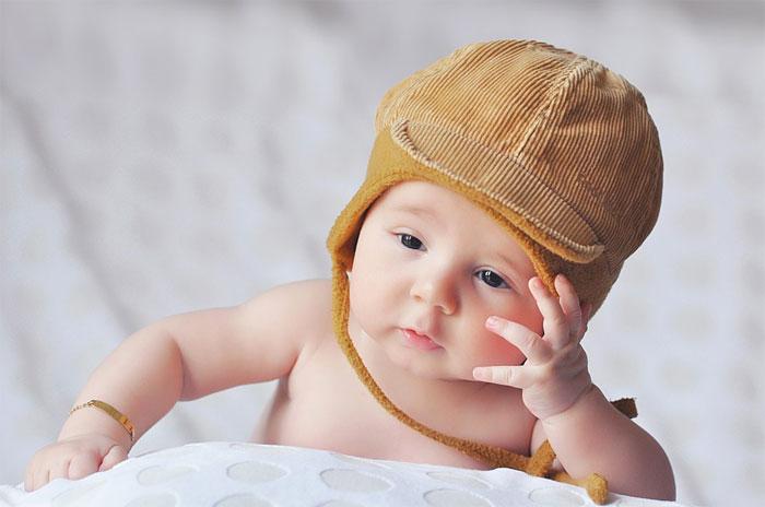 ホホバオイルを赤ちゃんが舐めても平気?